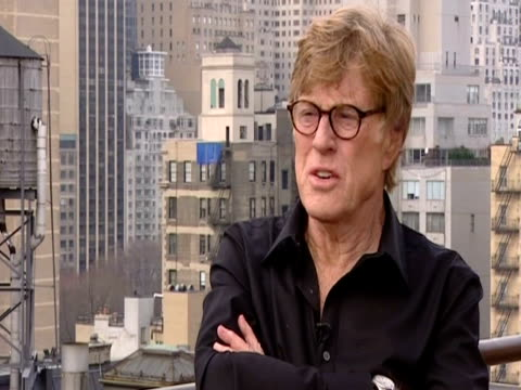vídeos de stock e filmes b-roll de american actor robert redford about reconstruction surgery - robert redford