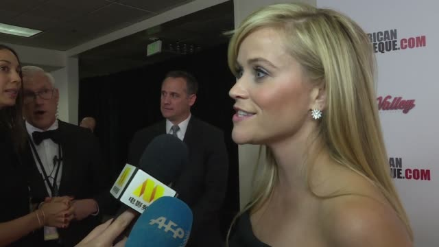 american actress reese witherspoon receives the mid career award from the american cinematheque - american cinematheque stock videos & royalty-free footage