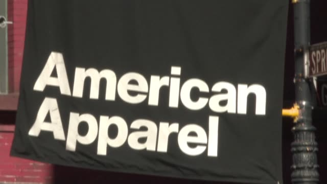 american apparel the troubled chain that boasts of made in the usa fashions filed for voluntary bankruptcy protection early on monday on the back of... - made in the usa kort fras bildbanksvideor och videomaterial från bakom kulisserna