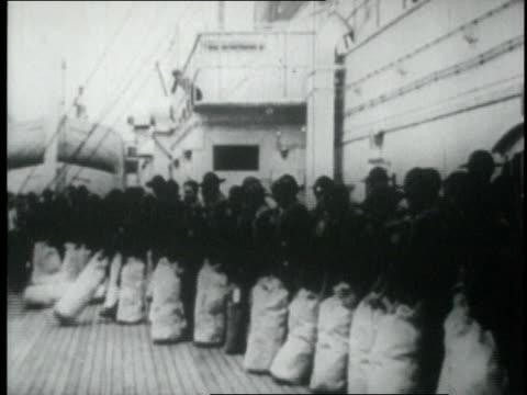 vidéos et rushes de 1924 ws american boy scouts travel abroad / copenhagen, denmark - 1924