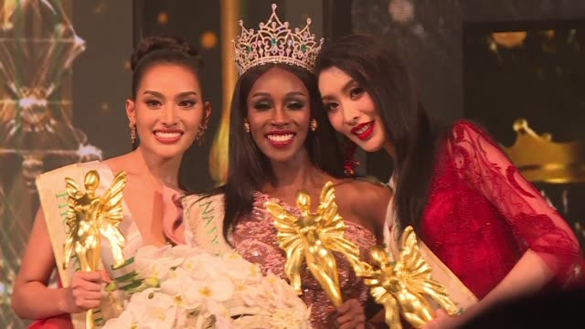 vídeos de stock, filmes e b-roll de american contestant jazell barbie royale is crowned miss international queen in thailand at a beauty pageant for transgender women becoming the first... - beauty queen