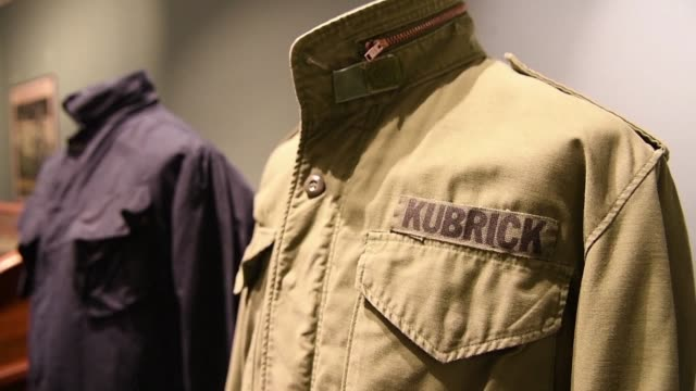 american director stanley kubrick's memorabilia is set to be auctioned in turin on tuesday including the watch and coat worn by tom cruise in eyes... - tom cruise bildbanksvideor och videomaterial från bakom kulisserna