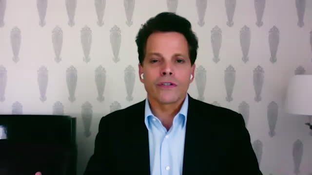american financer anthony scaramucci shares advice on how to remain productive during the covid19 pandemic. - 分散点の映像素材/bロール