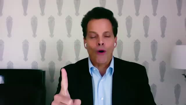 american financer anthony scaramucci shares experiences in law school, and how he realized becoming a lawyer was not his passion. - 分散点の映像素材/bロール
