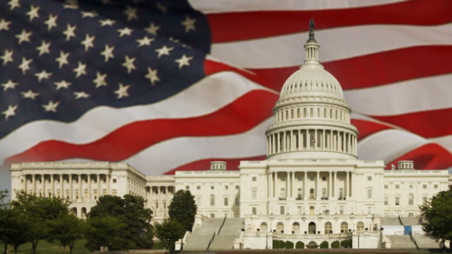Amerikanische Flagge und das Capital Building