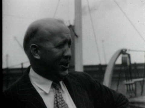 american football coach, knute rockne, smiling/ usa/ audio - kompletter anzug stock-videos und b-roll-filmmaterial