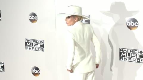 american music awards - red carpet in los angeles, ca 11/20/16 - ジェイ・ファロー点の映像素材/bロール
