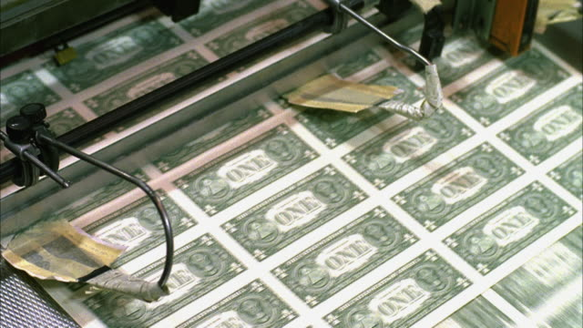 cu, american one dollar bills being minted, washington dc, usa - valuta video stock e b–roll