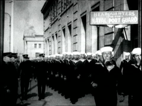 american sailors marching in front of naval port guard headquarters american sailors during wwi on june 01 1917 in san francisco california - 1917 stock-videos und b-roll-filmmaterial