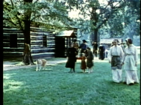 1963 reenactment ws american settler families / 1820s texas / audio - espansione verso l'ovest video stock e b–roll