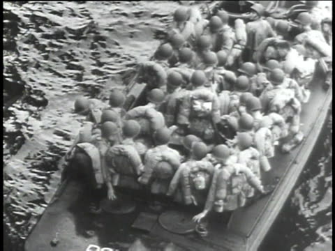 american soldiers in boats, tank in shallow water / japan - 1943 stock-videos und b-roll-filmmaterial