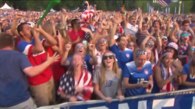 american women's national soccer team fans celebrate 2015 world cup win in lincoln park on july 5, 2015. - fifa world cup stock videos & royalty-free footage