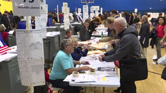 vídeos de stock, filmes e b-roll de americans across the u.s. are descending on polling stations in droves tuesday for this year's midterm elections. most voting locations began opening... - 2018