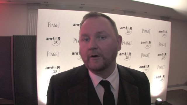 amfar inspiration gala paris - marc jacobs and amfar ceo kevin robert frost amfar inspiration gala paris - red carpet arrivals at pavillon gabriel on... - デザイナー マーク・ジェイコブス点の映像素材/bロール