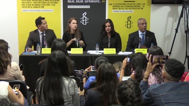 amnistia internacional llamo el miercoles al mandatario venezolano nicolas maduro a reconocer la grave crisis socioeconomica en su país y permitir la... - amnesty international stock videos & royalty-free footage