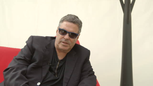 amos gitai on criticism towards israel at 'tsili' interviews - 71st venice international film festival on september 02, 2014 in venice, italy. - 第71回ベネチア国際映画祭点の映像素材/bロール