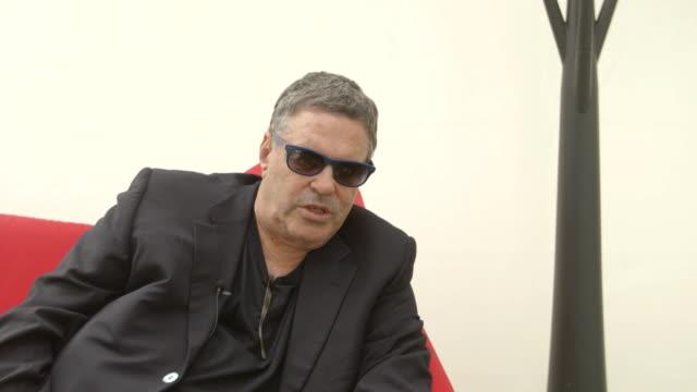 amos gitai on the situation in israel at 'tsili' interviews - 71st venice international film festival on september 02, 2014 in venice, italy. - 第71回ベネチア国際映画祭点の映像素材/bロール