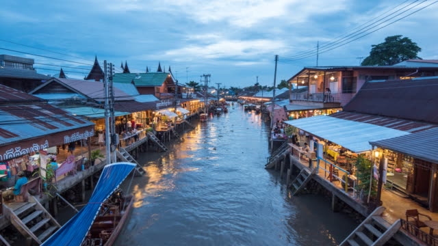Amphawa floating market in Thailand at Dusk, Floating Market, Time Lapase Zoom in
