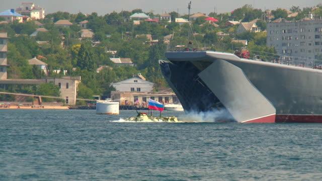 amphibious angriff - konvoi stock-videos und b-roll-filmmaterial