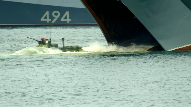 水陸両用着陸 - 軍艦点の映像素材/bロール
