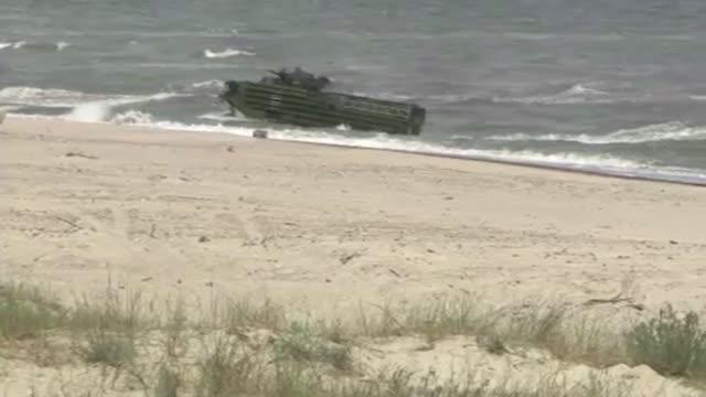 amphibious vehicles - amphibious vehicle stock videos & royalty-free footage