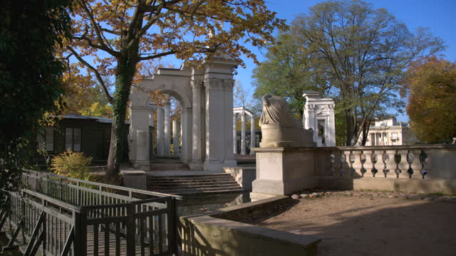 amphitheater on island in lazienki krolewskie park - eastern european culture stock videos & royalty-free footage