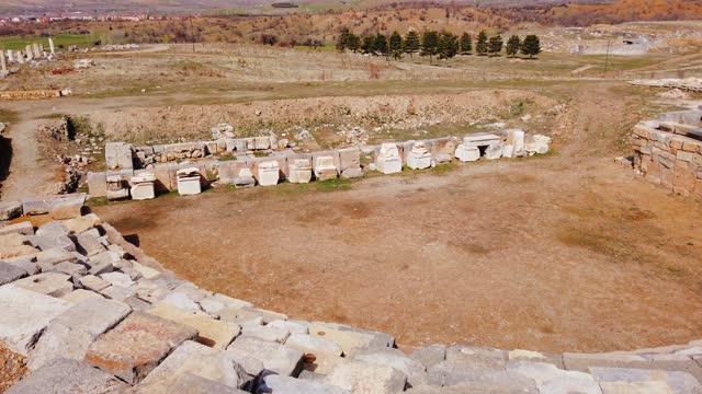 stockvideo's en b-roll-footage met amfitheater van pisidia in yalvac, isparta, turkije - apostel