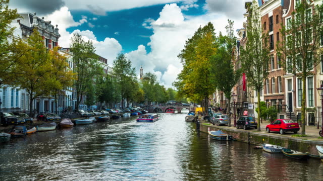 amsterdam - 4k cityscapes, landscapes & establishers - canal stock videos & royalty-free footage