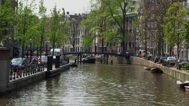vidéos et rushes de amsterdam - canal eau vive