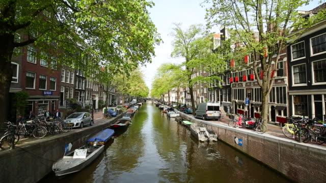 赤色光地区に近いグラヒトとアムステルダム - 環状運河地区点の映像素材/bロール