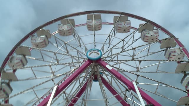 wgn amusement rides at a county fair in dupage illinois on july 27 2017 - dupage county stock videos & royalty-free footage