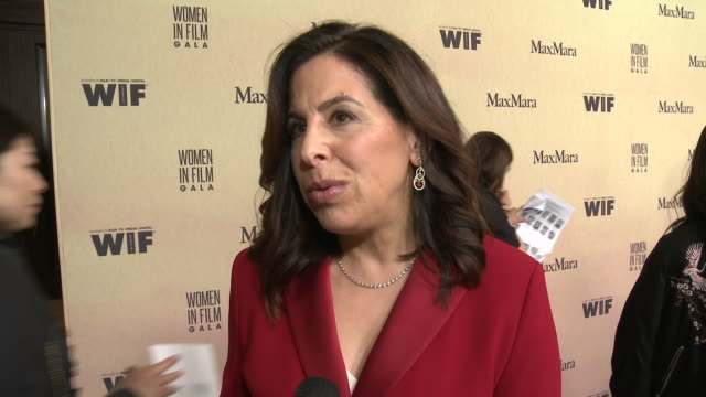 interview amy baer at 2019 women in film annual gala presented by max mara with additional support from partners delta air lines and lexus at the... - delta air lines stock-videos und b-roll-filmmaterial
