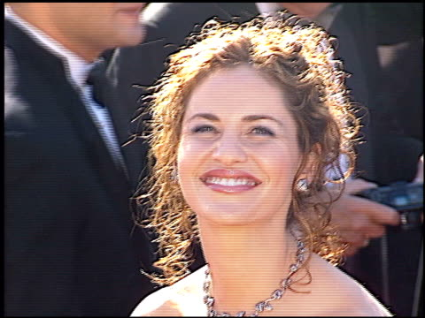 amy brenneman at the 2000 emmy awards at the shrine auditorium in los angeles, california on september 10, 2000. - shrine auditorium video stock e b–roll
