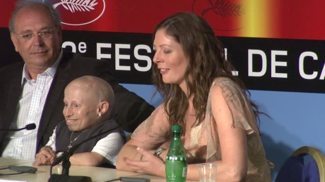 amy gilliam on working with her father at the cannes film festival 2009 the imaginarium of dr parnassus press conference at cannes - 62 ° festival internazionale del cinema di cannes video stock e b–roll