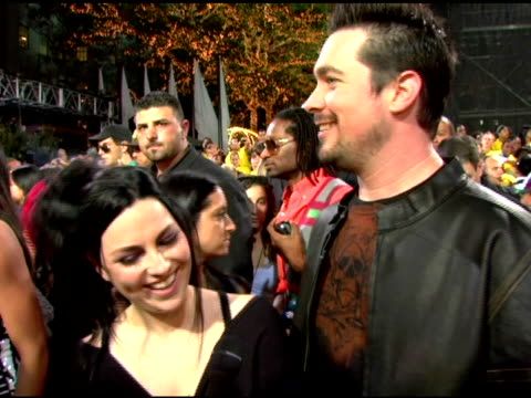 Amy Lee and John LeCompt from Evanescence looking forward to Jack Black Jack Black and Jack White being the Ying and Yang of the VMAs The great shows...
