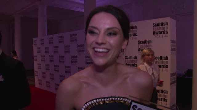 amy macdonald on winning her award at the scottish fashion awards 2014 on 1st september 2014 in london, england. - amy macdonald stock videos & royalty-free footage