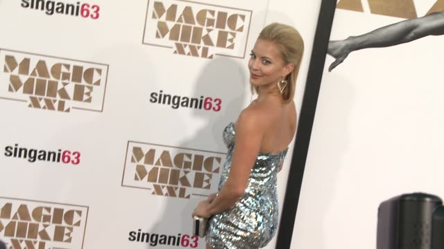 """vidéos et rushes de amy paffrath at the los angeles world premiere of warner bros. pictures' """"magic mike xxl"""" at tcl chinese theatre on june 25, 2015 in hollywood,... - tcl chinese theatre"""