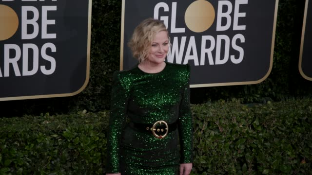 amy poehler at 77th annual golden globe awards at the beverly hilton hotel on january 05, 2020 in beverly hills, california. - エイミー・ポーラー点の映像素材/bロール