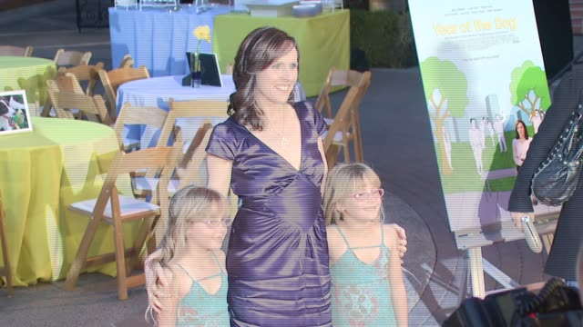 amy schlagel, molly shannon and zoe schlagel at the 'year of the dog' premiere at paramount theatre in los angeles, california on april 5, 2007. - molly shannon stock videos & royalty-free footage
