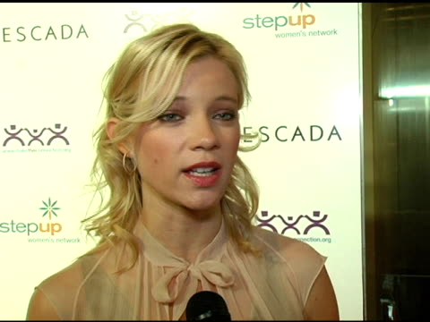 amy smart at the step up women's network inspiration awards sponsored by escada at the beverly hilton in beverly hills california on april 27 2006 - escada stock videos & royalty-free footage