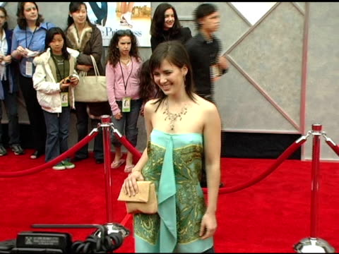 amy stewart at the walt disney pictures' 'ice princess' premiere at the el capitan theatre in hollywood, california on march 13, 2005. - el capitan kino stock-videos und b-roll-filmmaterial