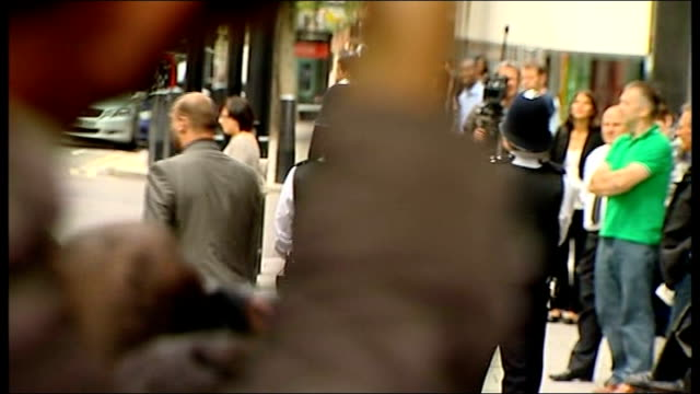 Amy Winehouse arrival and departure at City of Westminster Magistrates Court ENGLAND London City of Westminster Magistrates Court PHOTOGRAPHY * * Car...