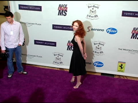 vídeos de stock, filmes e b-roll de amy yasbeck at the 12th annual race to erase ms themed rock and royalty to erase ms at the westin century plaza hotel in century city california on... - amy yasbeck