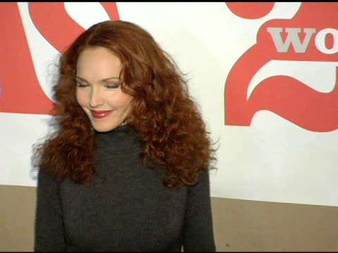 vídeos de stock, filmes e b-roll de amy yasbeck at the ms magazine 2004 women of the year arrivals at spider club in los angeles california on november 29 2004 - amy yasbeck