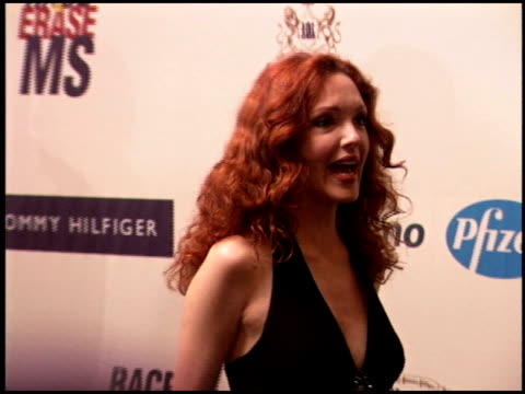 vídeos de stock, filmes e b-roll de amy yasbeck at the race to erase ms at the westin century plaza hotel in century city california on april 22 2005 - amy yasbeck