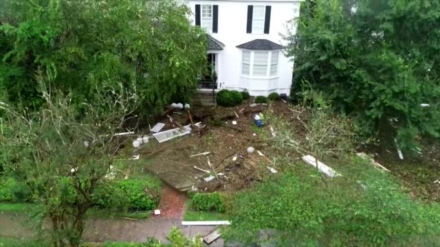 an aerial shot from a drone showing damage to a home in the aftermath of hurricane florence on september 15 2018 in new bern north carolina - aerial or drone pov or scenics or nature or cityscape stock-videos und b-roll-filmmaterial