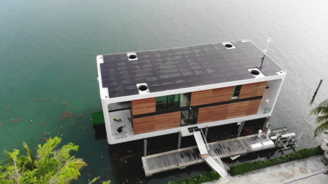 FL: New Luxury Floating Houseboats Designed To Address Rising Sea Levels In Florida