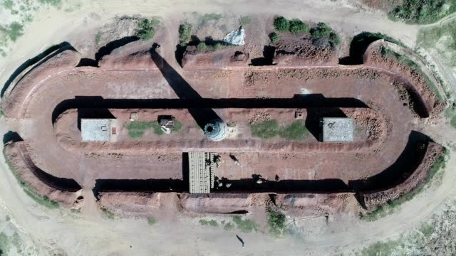 vidéos et rushes de an aerial view of brick making factory from drone - province du panjab