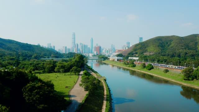 stockvideo's en b-roll-footage met een luchtmening van de rivier van shenzhen, china (overdag) - wide