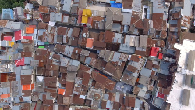 vídeos de stock e filmes b-roll de an aerial view of the northern city of rasht, iran - david ewing